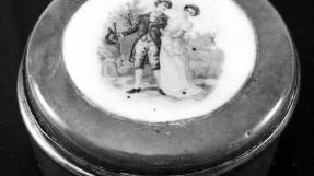 Pudrinė. Vakarų Europa, XIX a. Skersmuo – 6 cm. LDM TK-1299